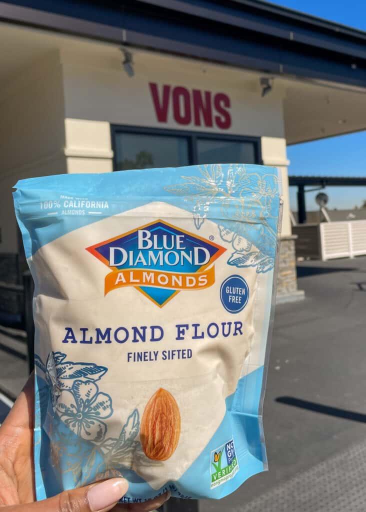 blue diamond almond flour at vons grocery store